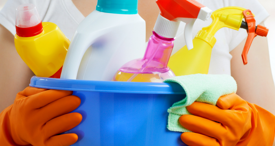 Non-Toxic Cleaning Products: What's in My Cabinet