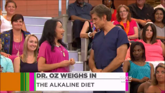 Dr. Oz talking to Caryn Sullivan of Pretty Wellness about the Alkaline Diet and Clean Eating
